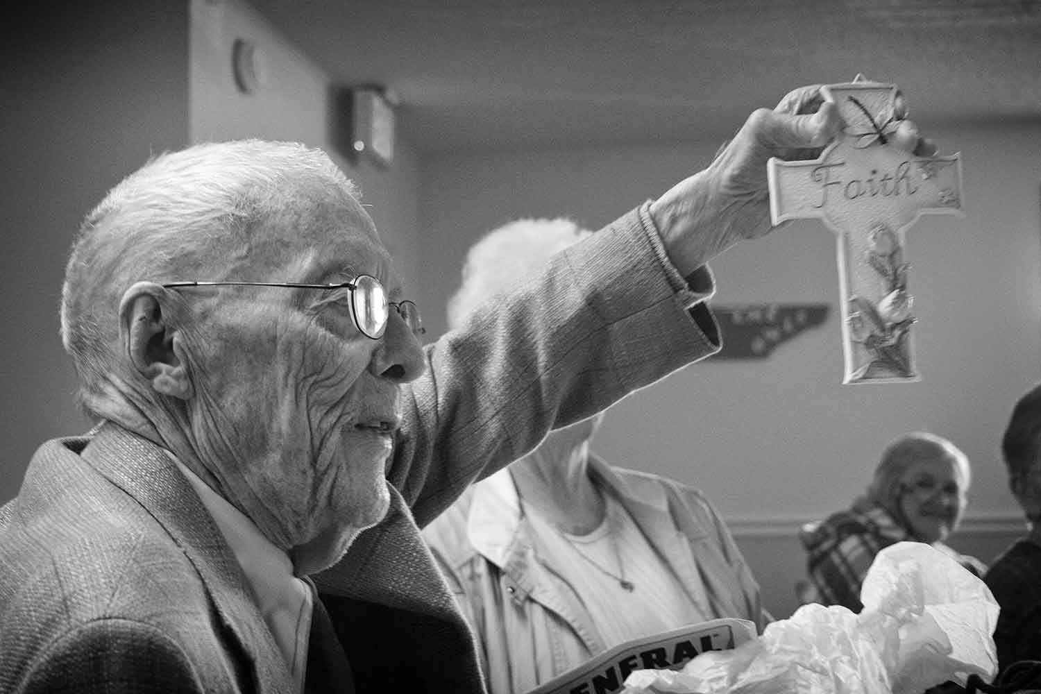Ora Eads, 93, shows off his Bingo prize at the LaFollette Senior Citizen Center. photo by Anthony Cheatham - 2007